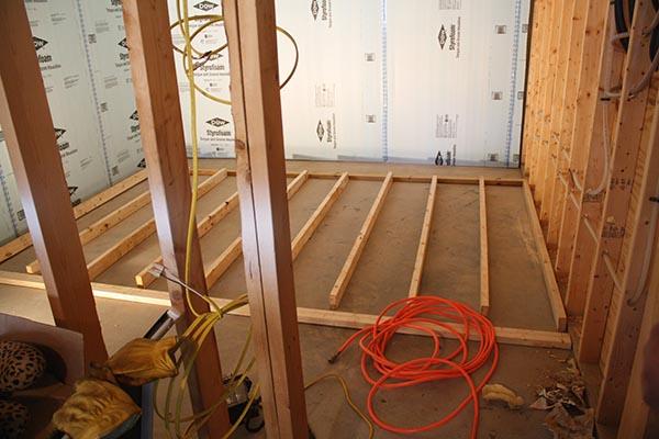 Lighting Basement Washroom Stairs: Home Construction Improvement